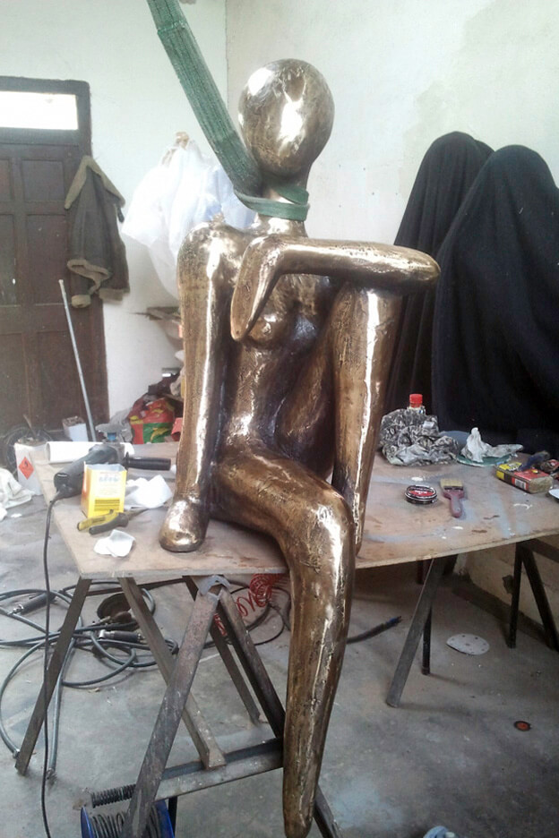 orla de bri perch figure studio